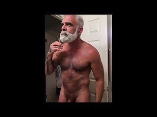 My naked beard maintenance and my boner
