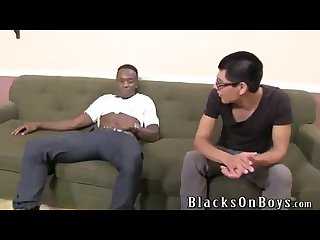 Black dude gives cute white guy his first dick