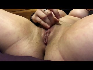 Rubbing my clit and fingering my hole til orgasm
