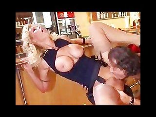 Vivian schmitt blonde suende