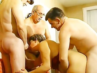 Papy voyeur vol 14 scene 1