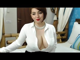 Ch gr33n nip slips Cleavage and gold shows part 1