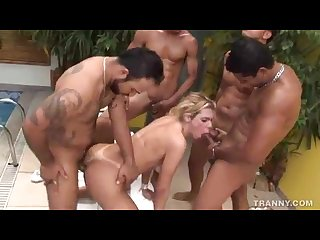 Latina blonde tranny gb
