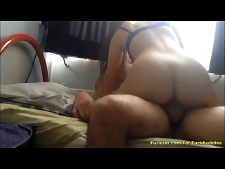 Home made fun loving babe having fun bouncing on dick