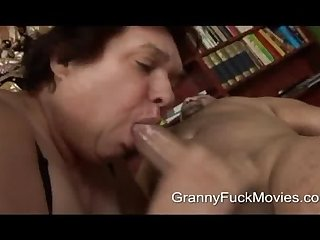 Big fat granny sucking for cum