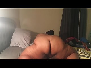 Bbw grinds to orgasm
