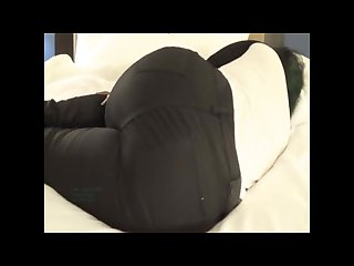 Thick black girl Farting