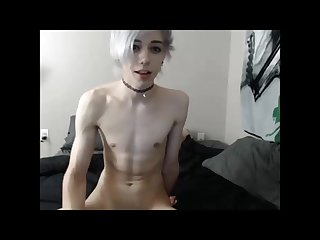 Submissive twink camshow
