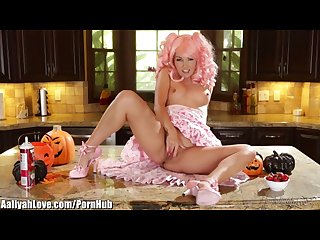 Aaliyah love s halloween party