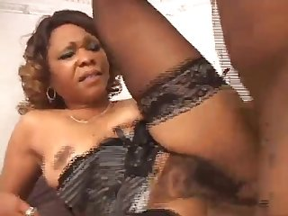 Sexy ebony music teacher with big ass