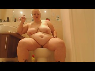 Bbw smoking on the toilet