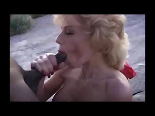 Bikini blonde milf dabbles in bbc