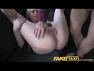 Faketaxi lithuania glamour model sucks cock