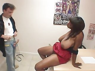 Ebony amateurs 8 scene 4
