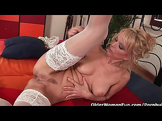 Hot granny gives her creamy pussy and tight ass a treat