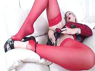 Milf nicole inserts heel in her pussy heelslovers pornhub