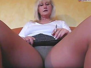 Smoking mother 1
