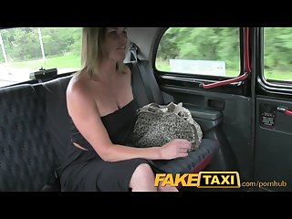 Faketaxi married woman makes up for pissing on taxi seats