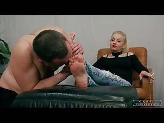 Lady gwen S foot cleaner