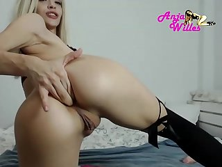 Teen show anal for cash