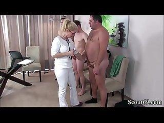 Deutsche milf krankenschwester fickt typen bei der musterung