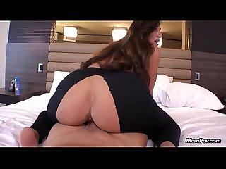 Bubble butt milf anal fucking pov