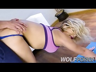 I go to yoga to see the asses of class