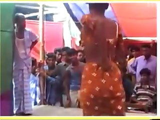 DESI HOT BHABHI NUDE DANCE ON STAGE