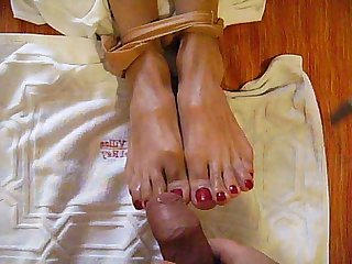 Footjob comma fetichismo de pies