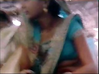 Deep navel show by bihari biwi