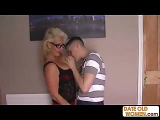 Big tits horny granny fucks skinny dude
