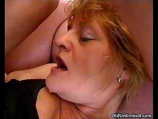 Slutty Mature blonde Mom loves getting