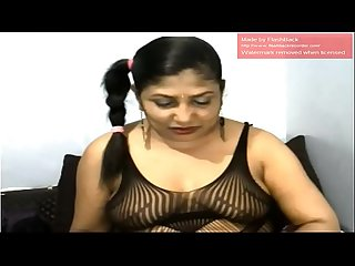 Indian Auntie Spread Asshole on Webcam