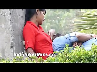 Desi babe offering her boobs as pillow to boyfriend - caught in park (new)
