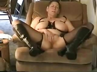 Great orgasm of slut granny amateur