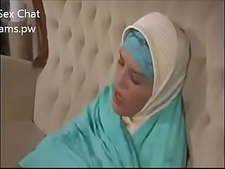 Big boobs in hijab Muslim girl showing boobs on webcam