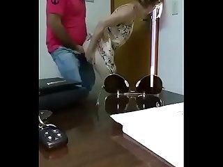 Xxx cogiendo a la Mama milf de una alumna para aprobar a su hija video entero cpmlink net iwlsaa tee