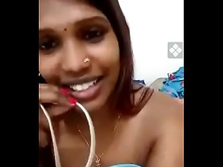 Tamil slut Bhabhi showing boobs on cam
