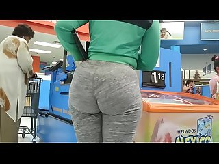 Big candid ebony booty in leggings with wedgie