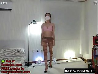 Korean bj in pantyhose and heels live at livekojas com