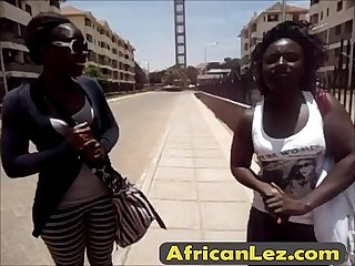How to have fun in a shower with african lesbians?-edicion