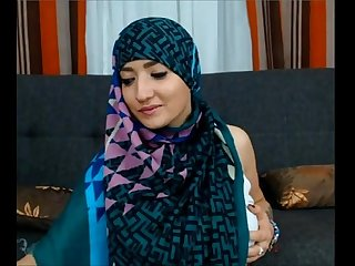 Maleena a muslim hijabite shows off her nice tits and big fat ass more on 366cams com