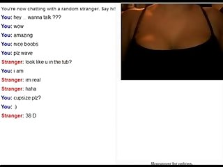 Woman shaking her boobs on omegle morecamgirls com