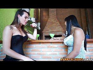 Mulher realizando fetiche da transex