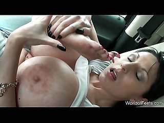 Worldoffeets shows and kisses her long toenails