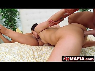Lucky Dude Rocking Two Beautiful Latinas Jaye Summers & Veronica Lemos