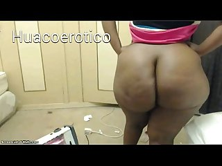 Huge azz of a black woman - enorme culo de una negra