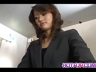 Fully dressed saori gives a steaming hot bowjob and handjob