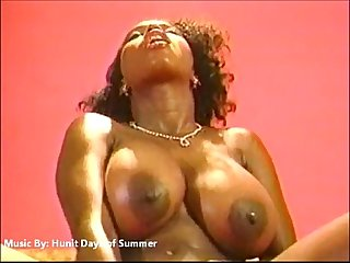 Ebony ayes comma the sexiest shit you ever seen excl excl