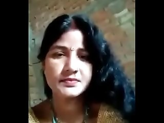Desi hot poor village married Bhabhi from u p taking Selfie for lover nd talking very dirty in bhojp